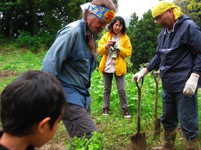 アースウォーカーと木を植えるのJPG